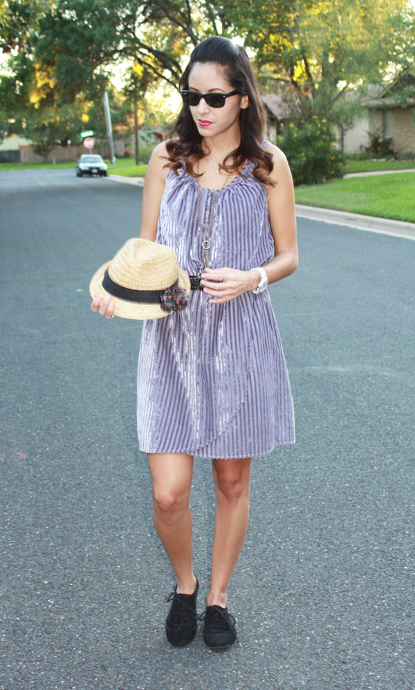 purple-velvet-dress-fedora-santanastyle