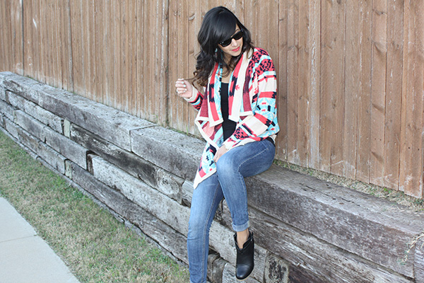 tribal-print-sweater-jeans-black-booties