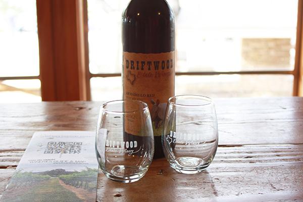 santanastyle-wineglass-winetour