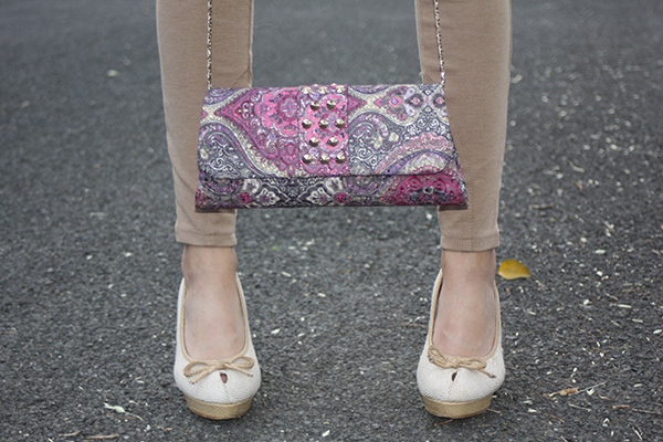 purple-paisley-clutch-heels